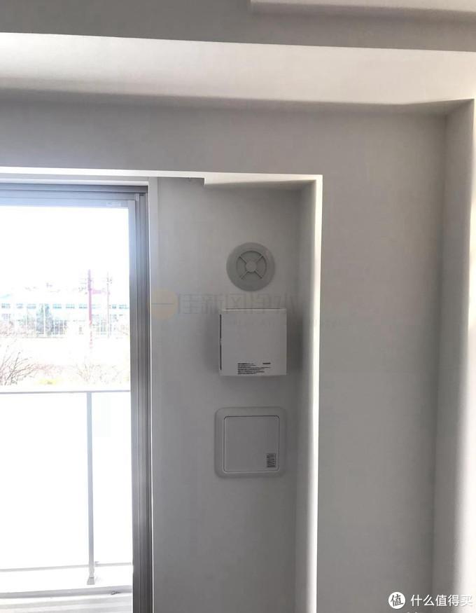 有国家自2003年起在人居建筑物内强制安装通风换气设备。