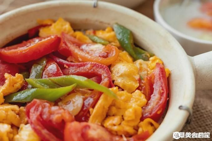 尖椒西红柿炒蛋