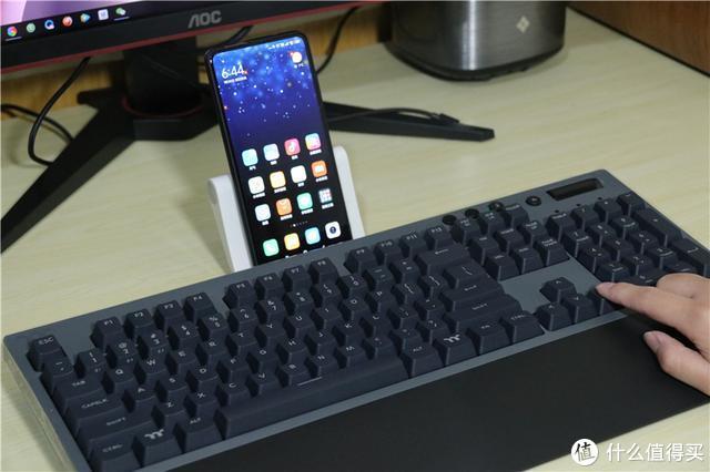多模可选一键切换,无线键盘也很硬核!TT飞行家G821体验