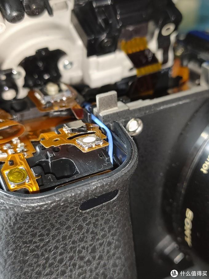 相机快门手感差,经常误触?拆了回索尼A6300相机换微动