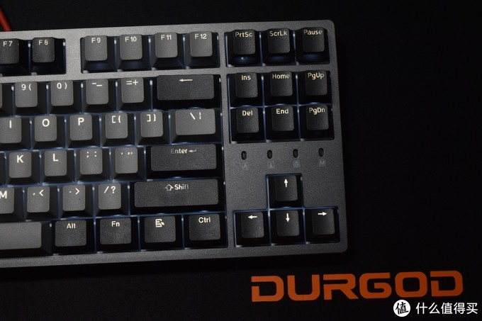 这次不玩灯,多种原厂轴可选、PBT键帽设计的杜伽K320白光限定版开箱
