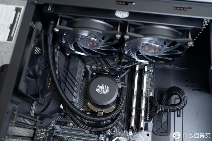 酷冷至尊冰神240RGB散热器——静音温控灯效样样行
