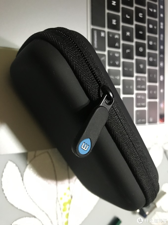 耳机 ❌ 氛围灯 ✅——魅族 Halo G20 激光耳机使用体验