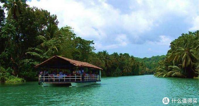 在菲律宾宿务如何正确的跳岛玩海,你选择看鲸鲨还是沙丁鱼风暴