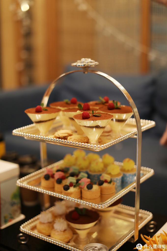 甜点塔+水果+生日蛋糕配置