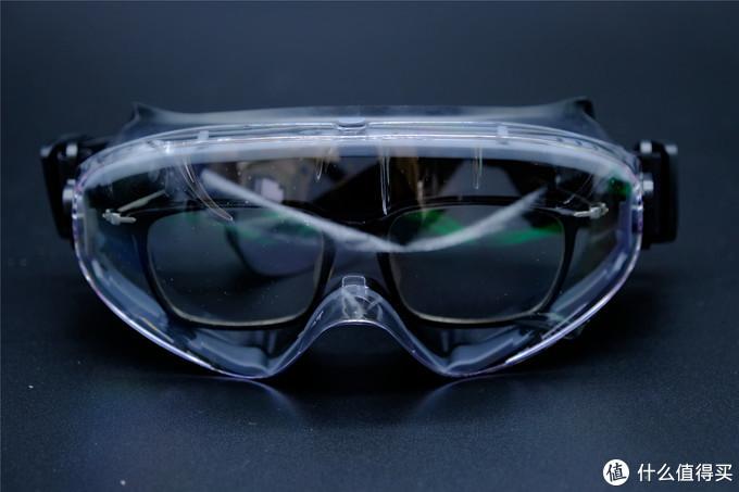 我这个眼镜整体的宽度在150左右,所以已经算是很宽的了