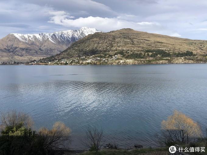 皇后镇雪山湖景,几乎每个角落可见