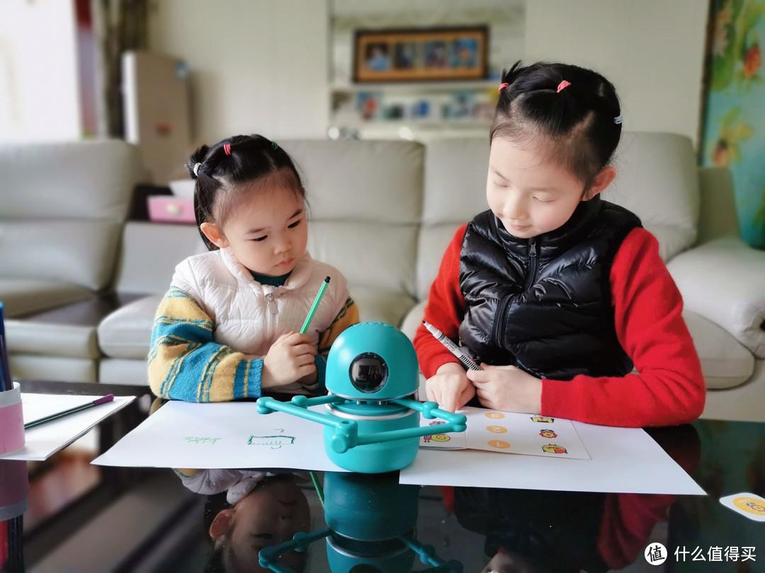 昆希绘画机器人,让每一个孩子都有绘画的潜质