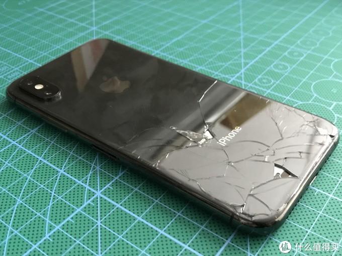 碎裂的玻璃,很容易划伤手