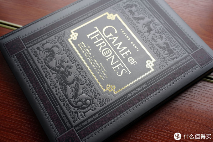 Inside HBO's Game Of Throes 权利的游戏官方收藏集