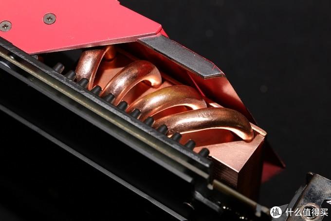 华硕为啥敢给一张450W功耗的电暖器级显示卡配一个风扇?