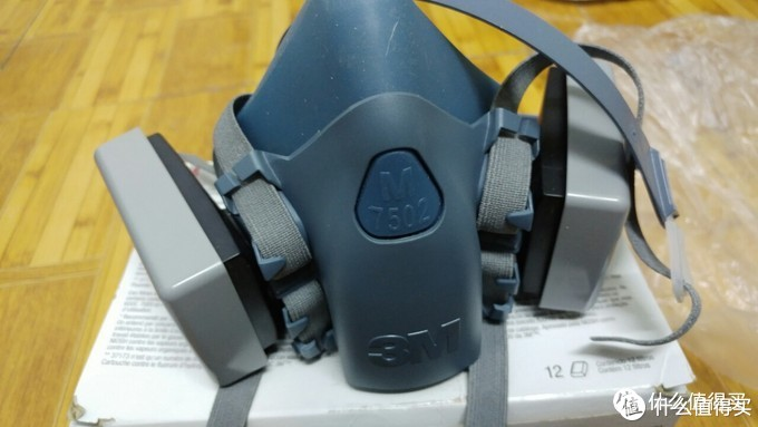 非常时期的疫情防护装备对比:口罩,低端面罩,高端面罩,护目镜