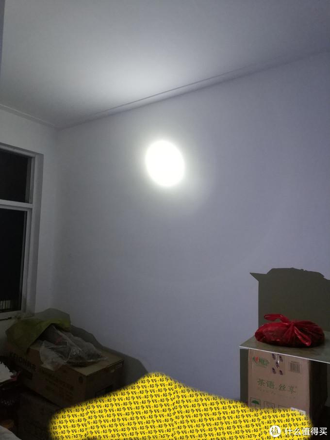 康铭KM-2665N手提式可充电LED探照灯开箱体验