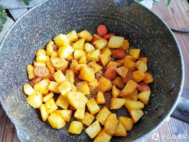 土豆百吃不腻,这简单的做法,解馋味道香,孩子吃的放不下筷子