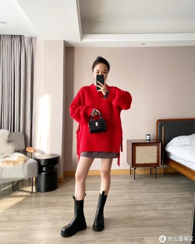 红色毛衣打底