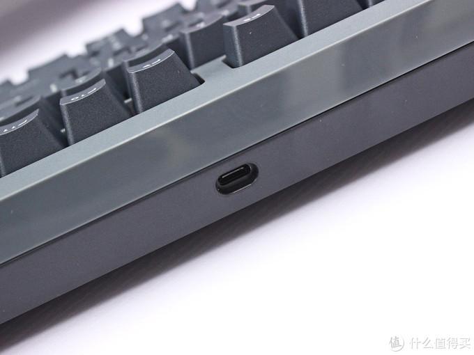 无线纪元初启,TT G821 飞行家三模机械键盘开箱