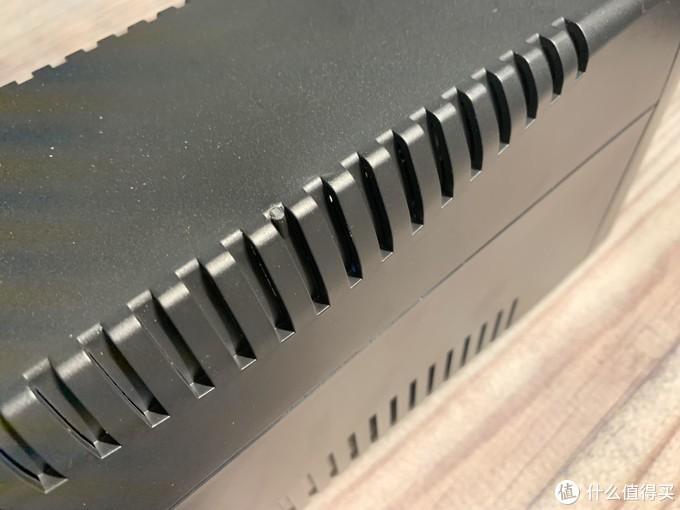 NAS好伴侣----H1000M雷迪司UPS电源