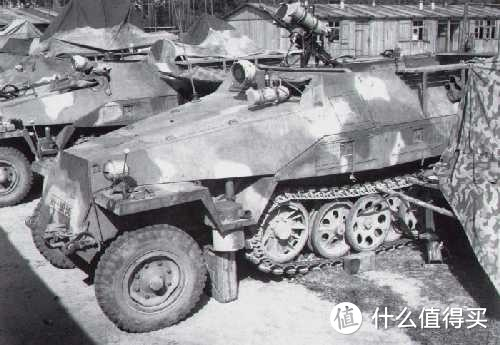 "Sd.kfz. 251/1型""法尔克(Falke)""夜战装甲运兵车"