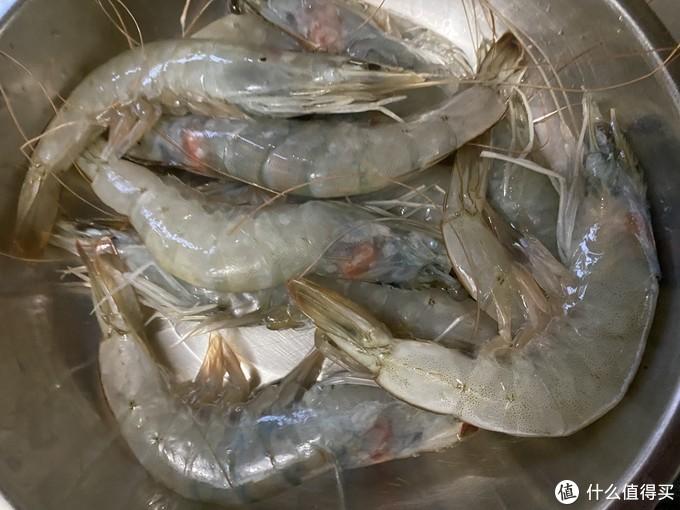 吃了一周自己做的虾,这道 蒜香黄油虾 是我的最爱