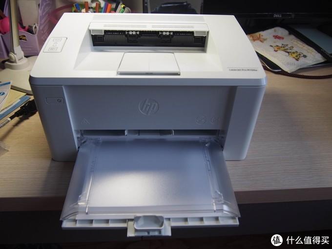 """装上纸,预备状态就是这个样子了。不用的时候要把那个盖板取了才能收成一个""""长方体""""。"""