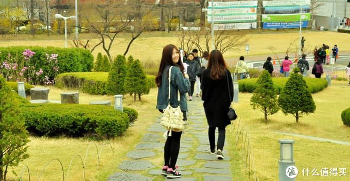 首尔旅游特色分明,追时尚就去弘大,想拍照就去景福宫