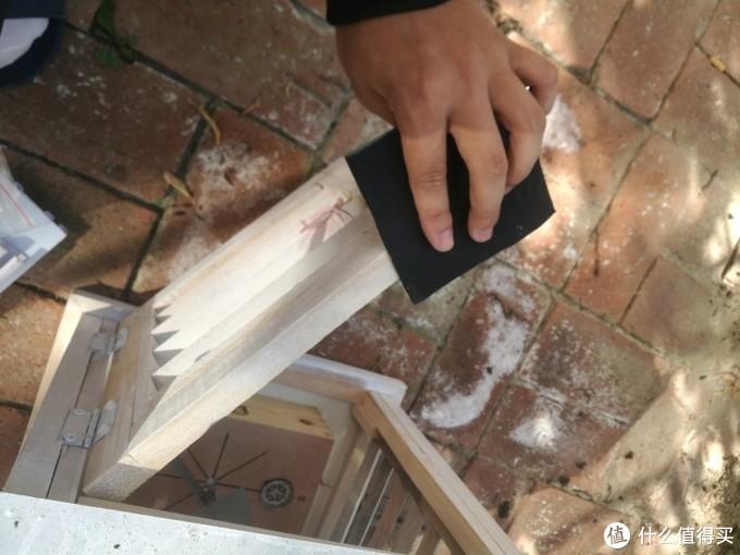 自家后院自制气象站后续:DIY百叶箱打磨刷木漆