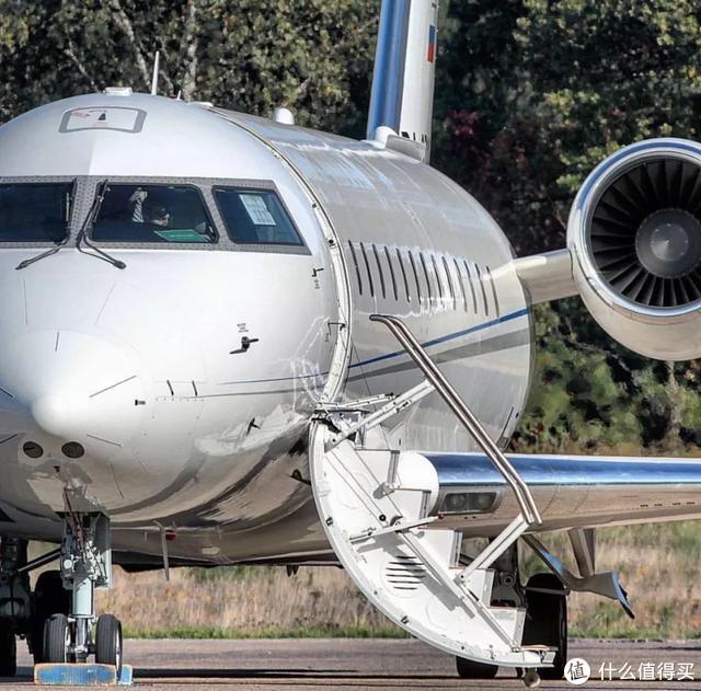乘坐富豪明星们才有的私人飞机是种怎样的体验?价格还不贵