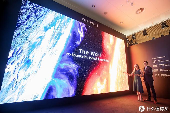 """583英寸8K巨屏:三星 展出 新款The Wall """"商业墙""""、Flip2和多款智能标牌8K屏"""