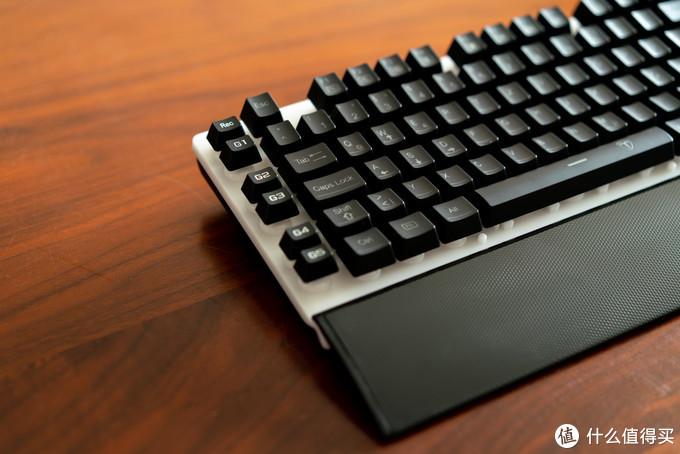"""左边6个""""G键""""编程区,可以自定义按键设计"""
