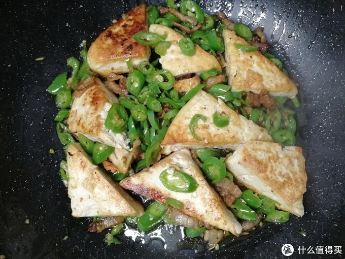宅家学做黑暗料理--快手菜之红烧水豆腐