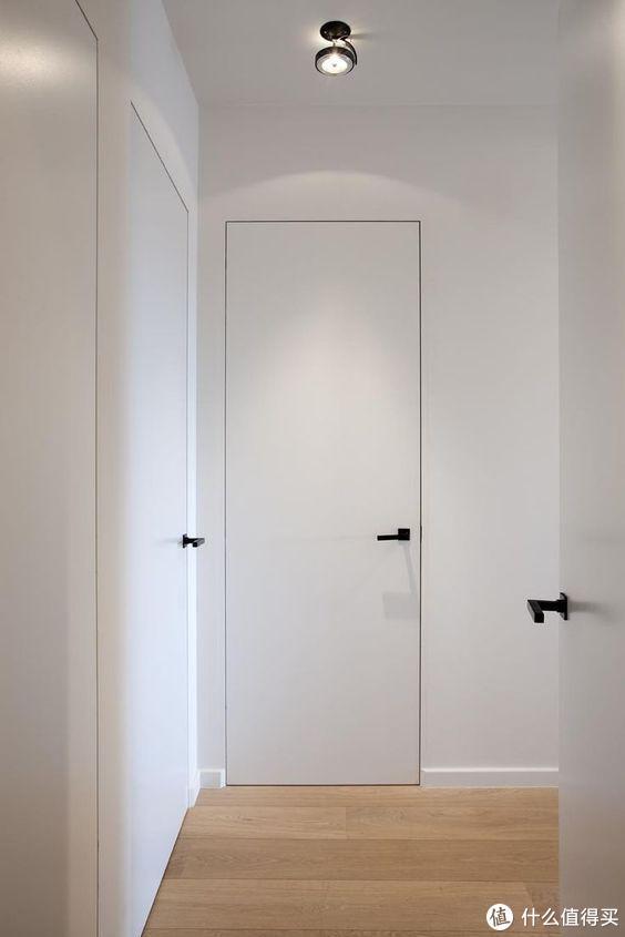 换一个卧室门吧,大声叫出来