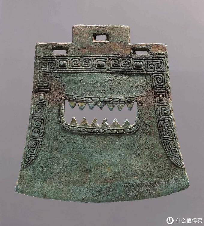 商目雷纹方内青铜钺 江西省博物馆图片来自江西省博物馆官网