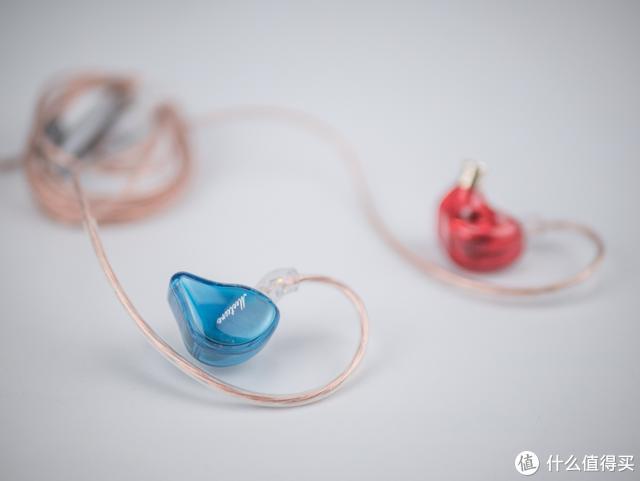 动圈耳机有啥玩头?不足二百元,这款耳机给出了标准答案