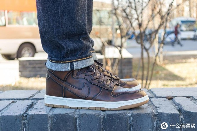 一双很少见很咔叽的Nike——Dunk Lux High Burnishd SP