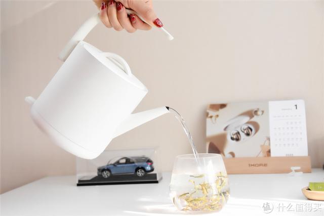 开箱试用小米有品电水壶,只能用一字形容