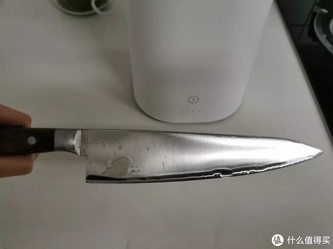 冲洗后的刀