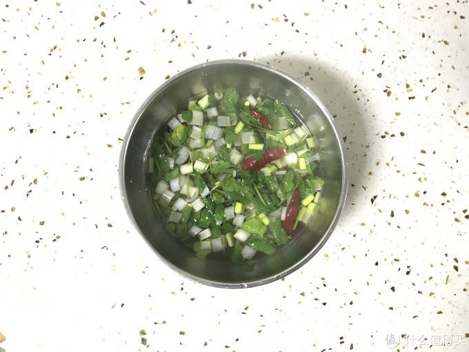 河南特色美食之酸汤水饺:妈妈的味道
