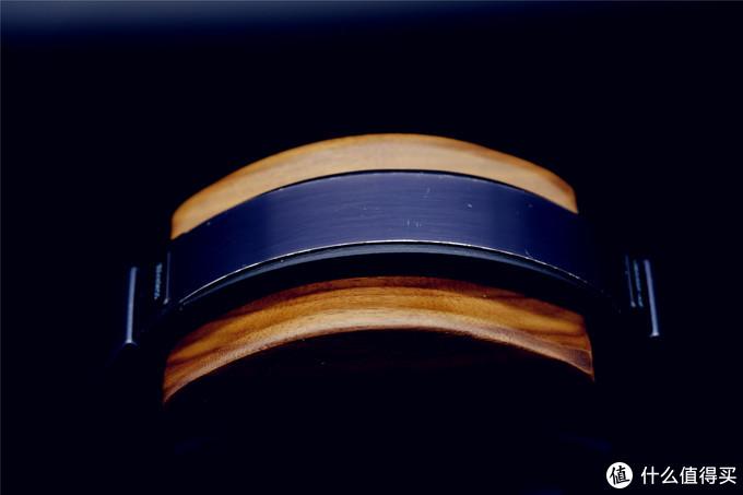 重点还是看下头梁部分的贴合度吧,毕竟这个才是耳机架的核心