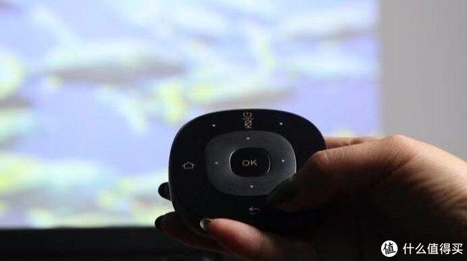 实力开挂!综合体验表现出色的智能投影仪大眼橙X10