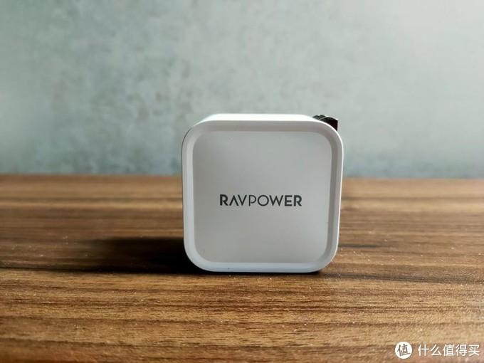 小巧的身材下有着高效的实力-RAVPOWER急速充电器体验