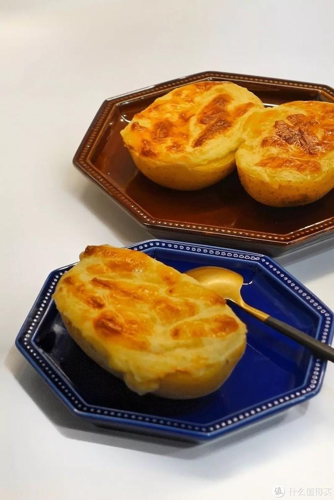 """使用""""栗薯烤""""功能制作的烤土豆船"""