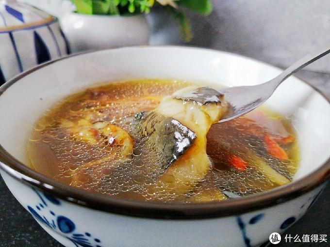 鱼+羊=鲜?比鱼羊一锅更鲜的汤,主料又叫五味肉,汤色鲜美更滋补