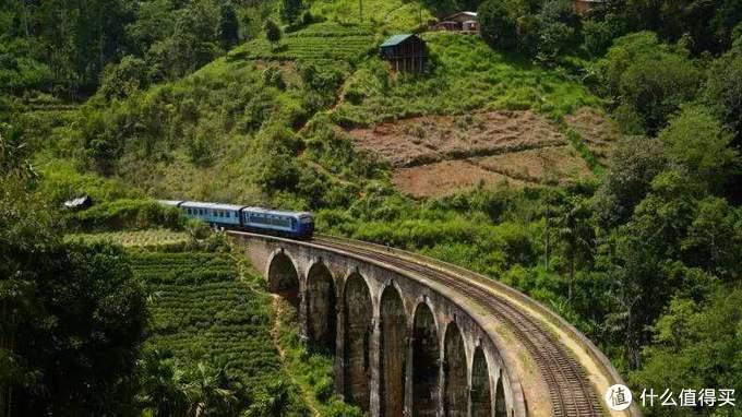 有火车情结的人都说,旅行就是为了坐一次特别的火车