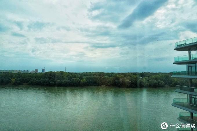 躺着看多瑙河——斯洛伐克布拉迪斯拉发豪华精选酒店