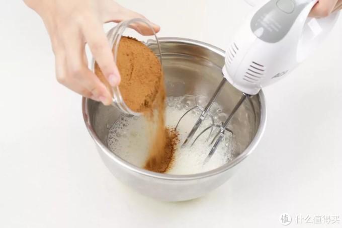 超详细教程!电饭煲蛋糕玫瑰红糖版,轻盈有弹性!
