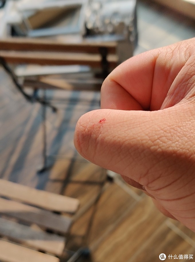 拆解途中把手也搞破了,早知道戴手套