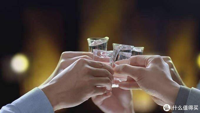 不了解中国白酒香型,喝过这10款就基本能毕业了