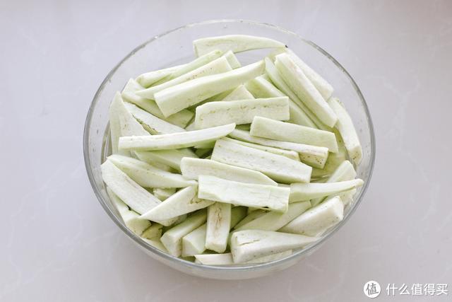 不要嫌茄子太费油,只需多做一个简单步骤,酱香浓郁吃上不想撂筷