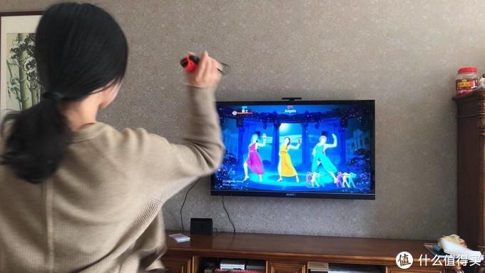 肥宅不如跳舞 任天堂 Switch 游戏机开箱轻体验舞力全开2020