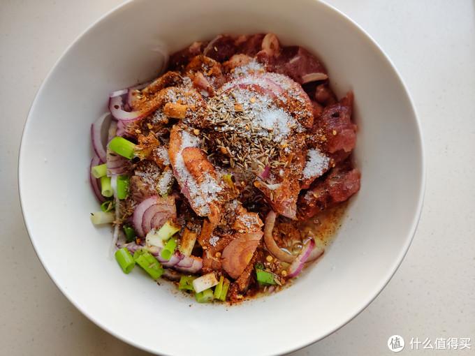 比炭烤还要好吃的羊肉串,口感鲜嫩又筋道,肉多料足超好吃